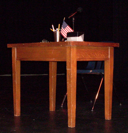 Putnam Spelling Bee wood small table judge's desk